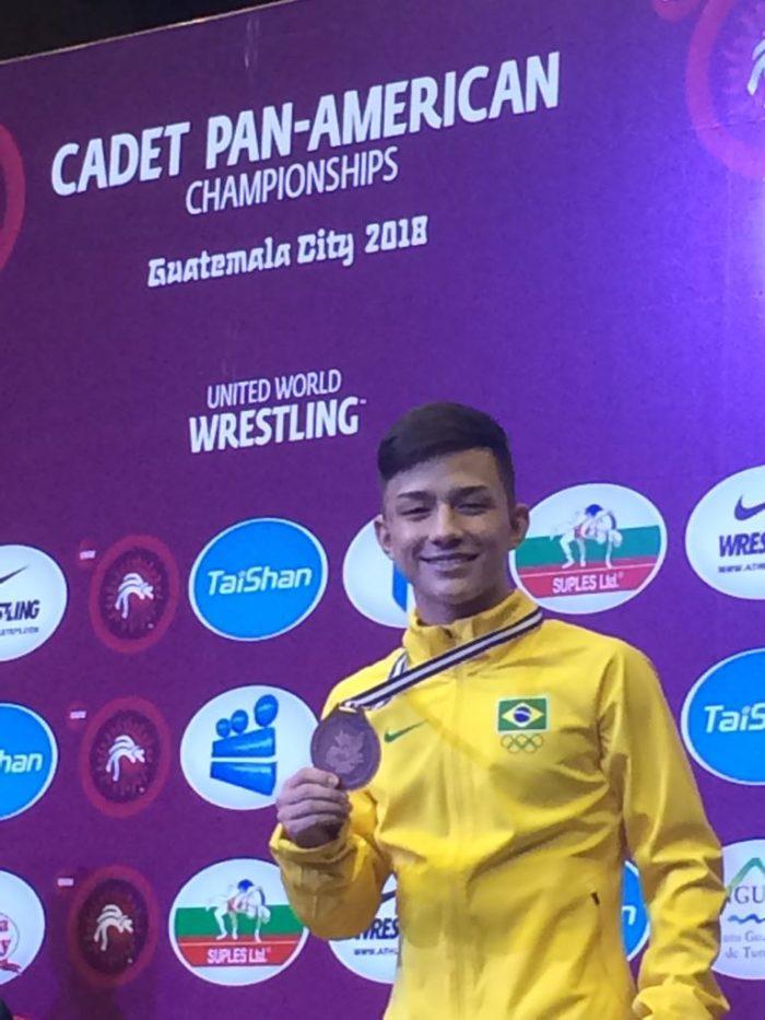 Helisson encerra a participação nacional com a medalha de bronze