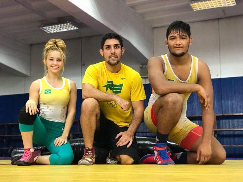 Heloísa, o treinador Felipe Macedo, e o atleta Igor Queiroz representaram o Brasil nos Jogos Olímpicos da Juventude 2018
