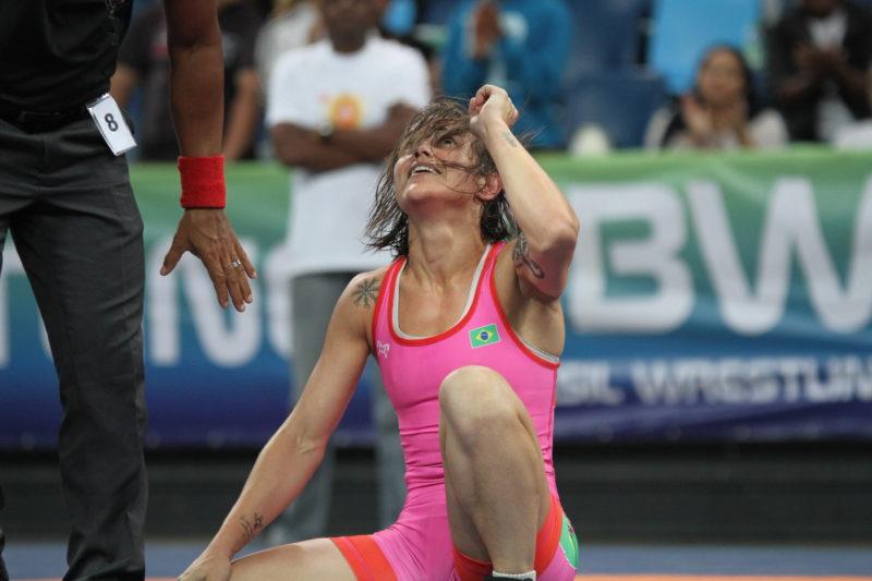 Camila Fama celebra triunfo no Brasileiro de Wrestling e vaga nos Jogos Pan (Caio Baptista/CBW)