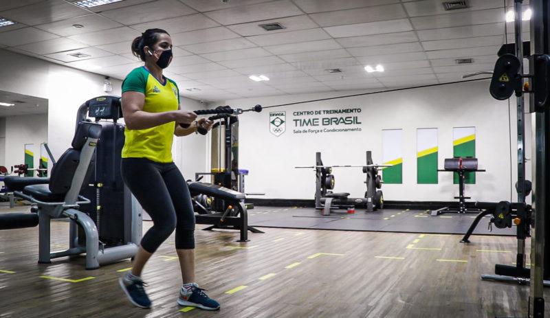 Giullia Penalber retornou ao CTdo Time Brasil depois de 4 meses (Rafael Bello/COB)