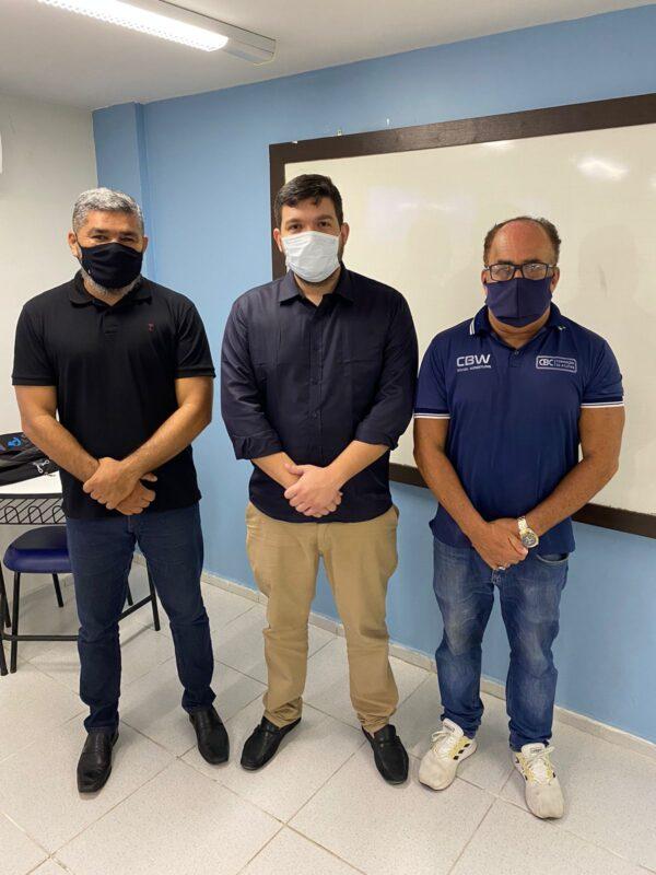André Calixta,  coordenador de ginásio, o Secretário Rodrigo Cruz e o presidente d
